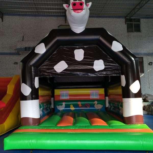 Hüpfburg Kuh