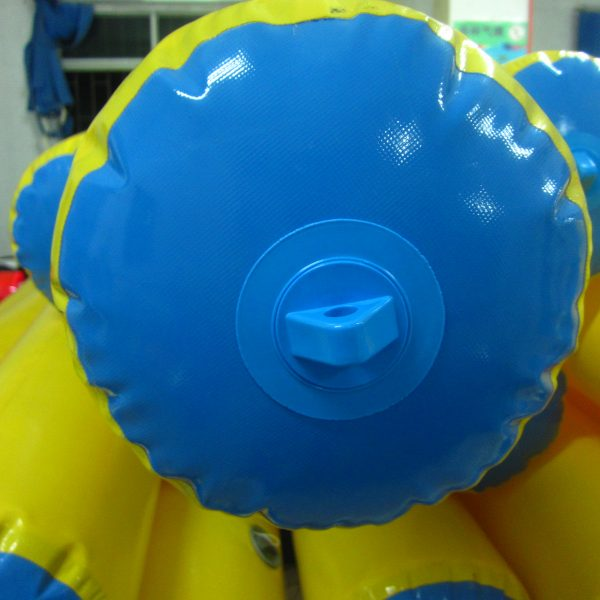 Inflatable roller for swimming pools 4m